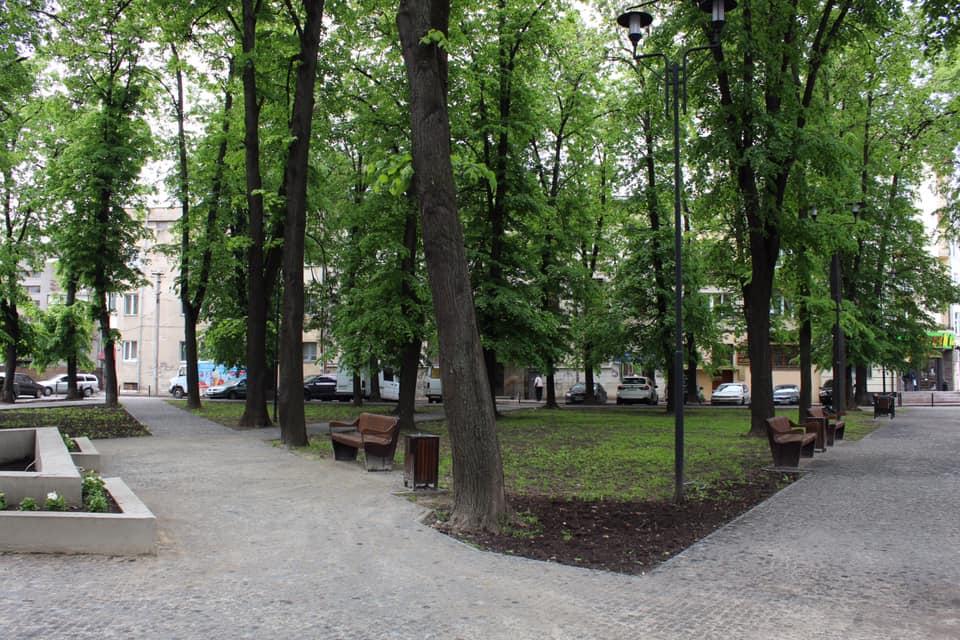 У Франківську відкрили ще одну відремонтовану вулицю та сквер (ФОТО)