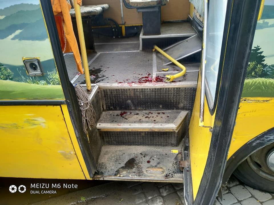 В Івано-Франківську автобус зіткнувся з легковиком, є потерпілі (ФОТО)