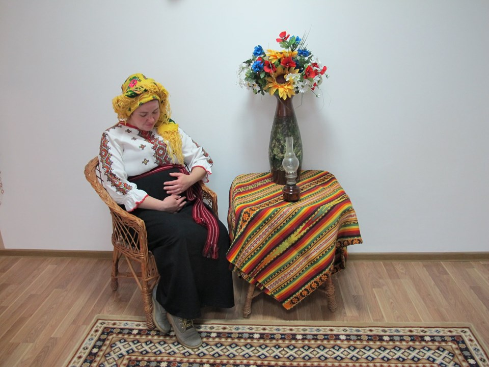 """""""Материнство – це прекрасно"""": зворушливу фотосесію влаштували для жінок при надії в міському пологовому (ФОТО)"""