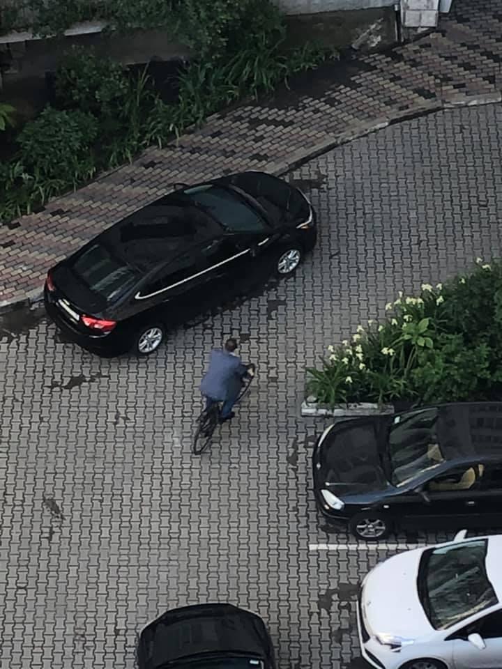Дружина Марцінківа показала, як чоловік популяризує велорух (ФОТОФАКТ)