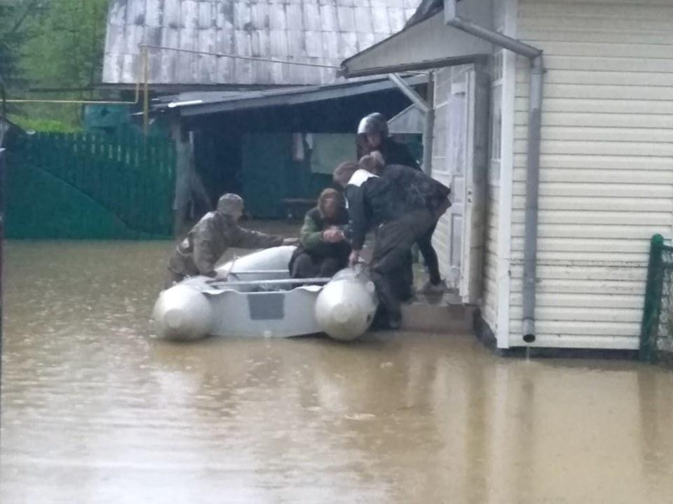 Прикарпатців попереджають про підйом Дністра, можливі нові підтоплення у дев'яти районах (ПЕРЕЛІК)