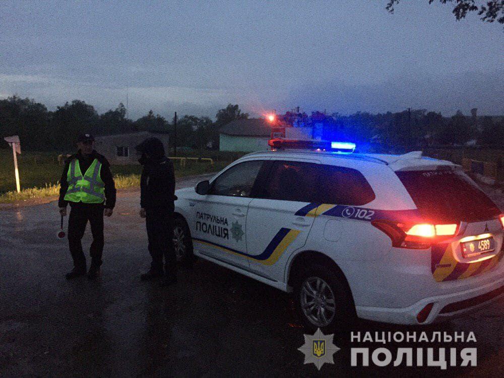 До ліквідації наслідків злив в області залучили поліціянтів (ФОТО)