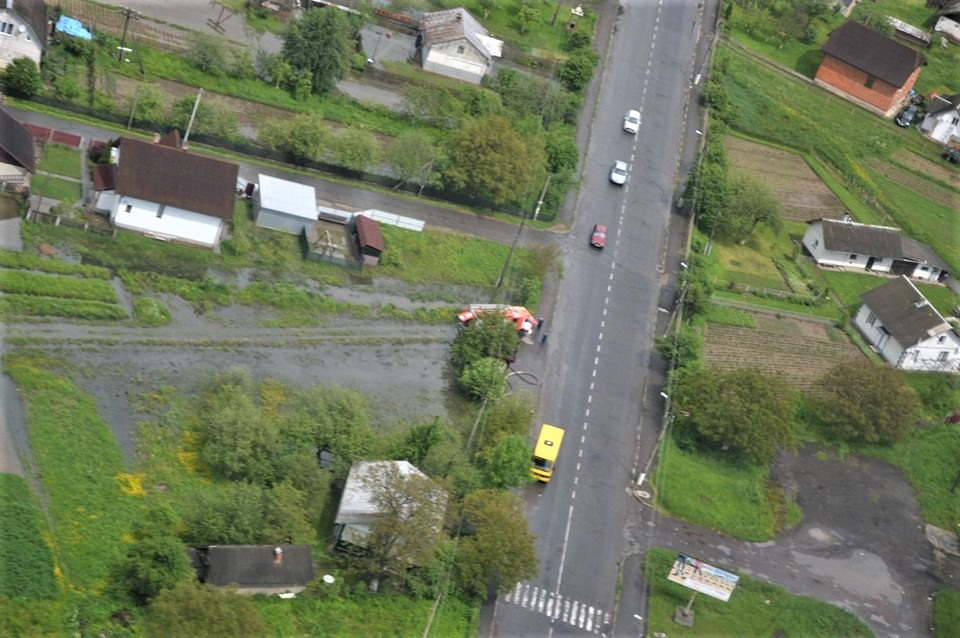 Водіїв Прикарпаття попереджають про проблеми на дорогах через стихію