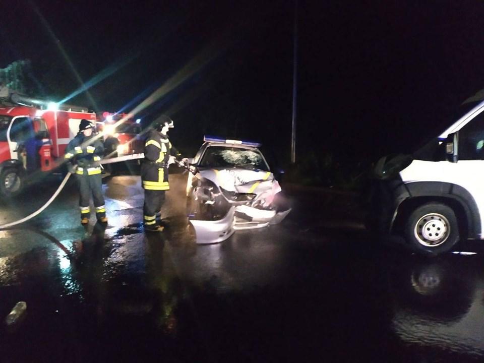 """Вночі на Набережній авто """"Поліції охорони"""" зіткнулося з """"Сітроеном"""", є травмовані (ФОТОФАКТ)"""