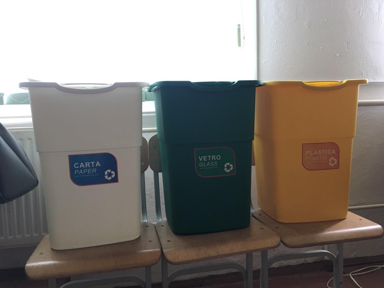 Дзвиняцька громада запроваджує роздільне сортування сміття (ФОТО)