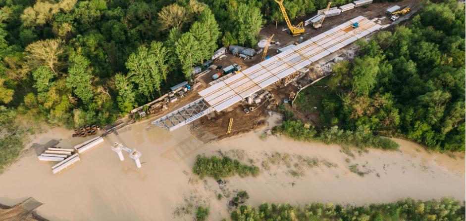 Бистриця підтопила будмайданчик нового моста на Пасічну