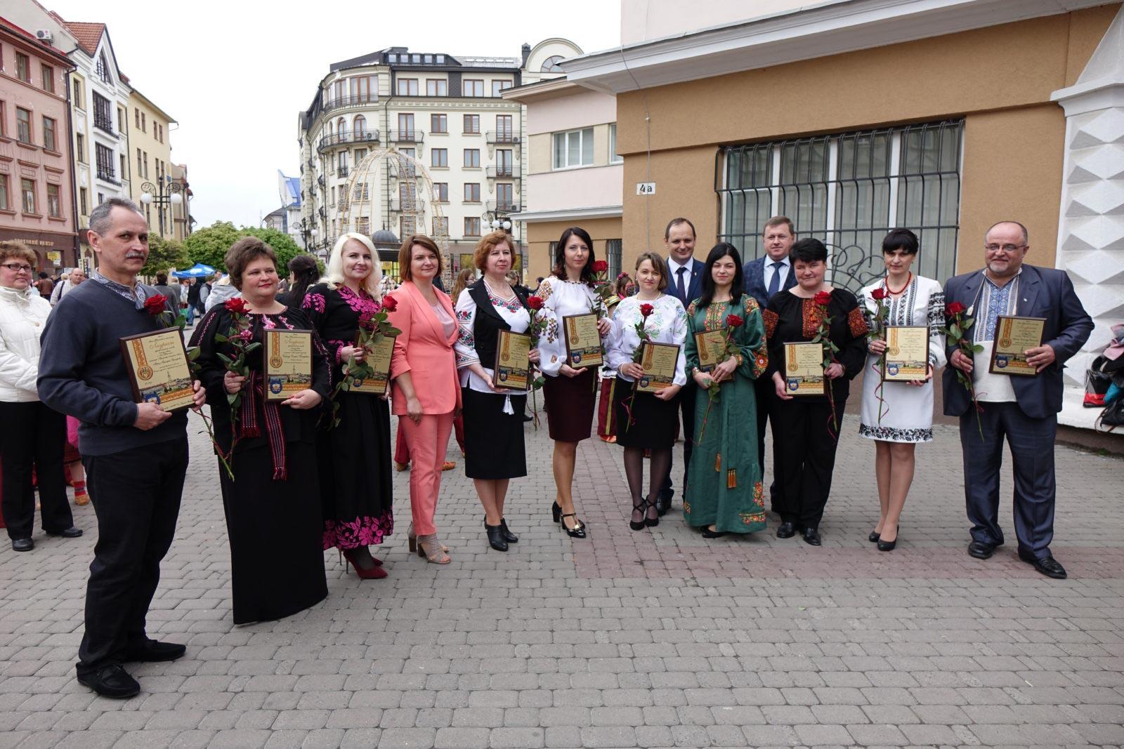 Франківські вчителі, яких визнали найкращими, отримали по 10 тисяч гривень (ФОТО, ВІДЕО)