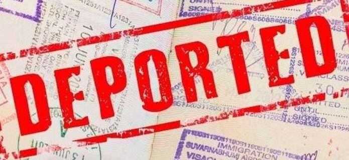 27-річного іноземця-порушника, який жив у Франківську, посадили на літак додому