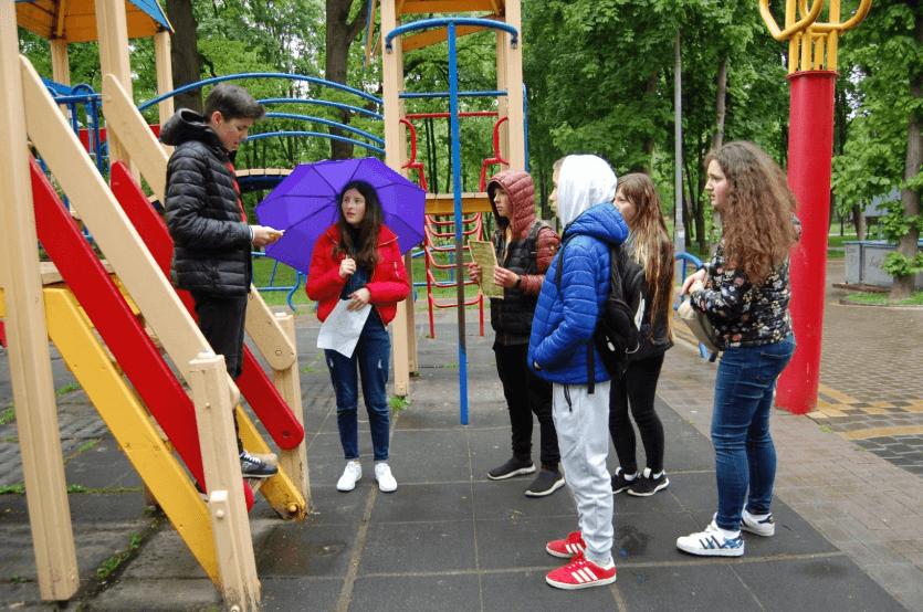 Пластуни влаштували історичний квест для франківських школярів (ФОТО)