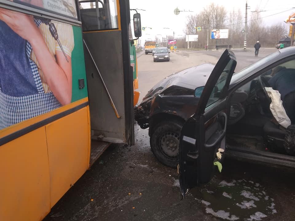 За тиждень у Франківську сталося три ДТП із громадським транспортом. Одна – з потерпілими