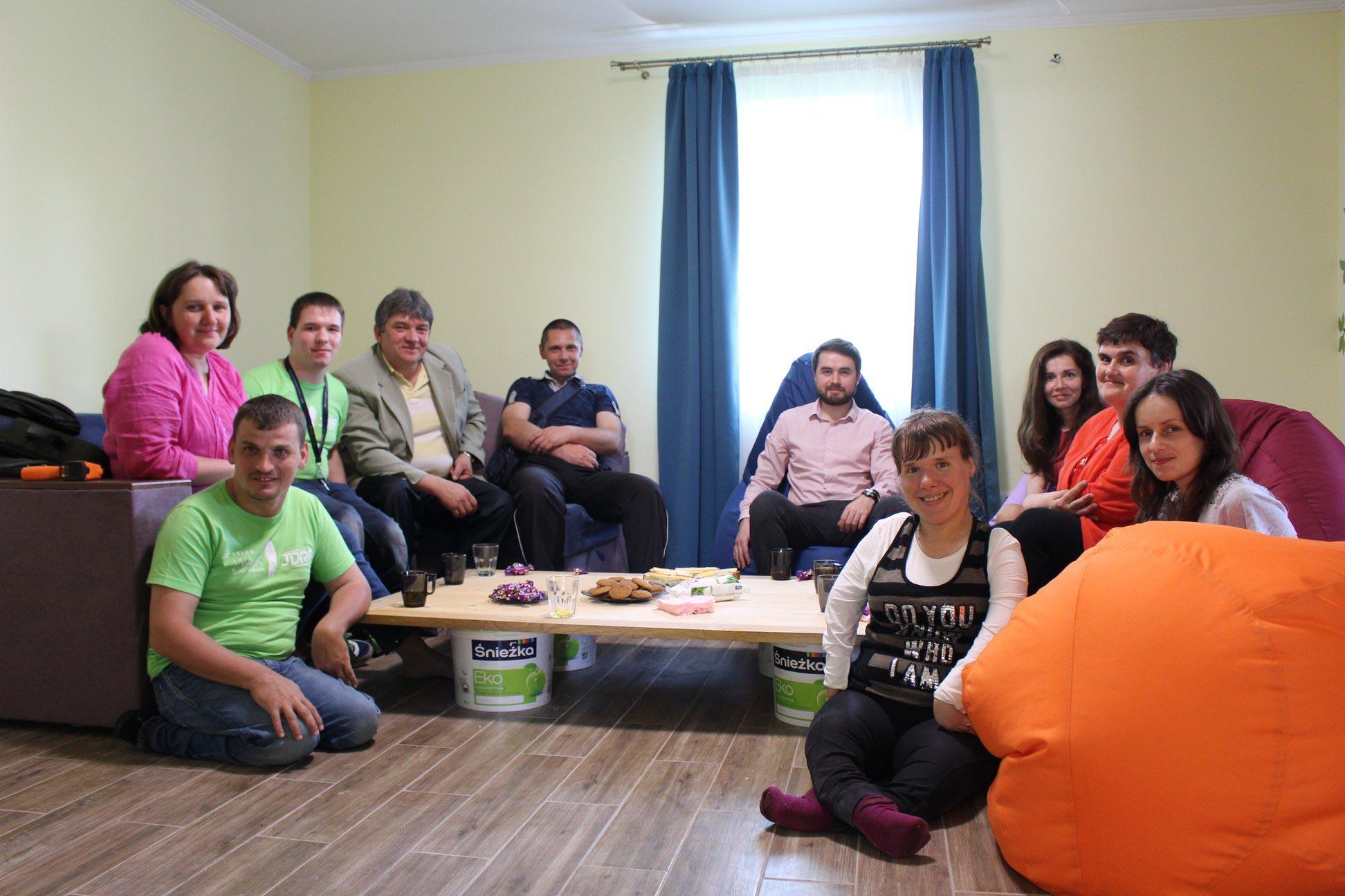 В Обертині майже готовий будинок для сиріт з інвалідністю, який облаштовують волонтери і влада (ФОТО, ВІДЕО)