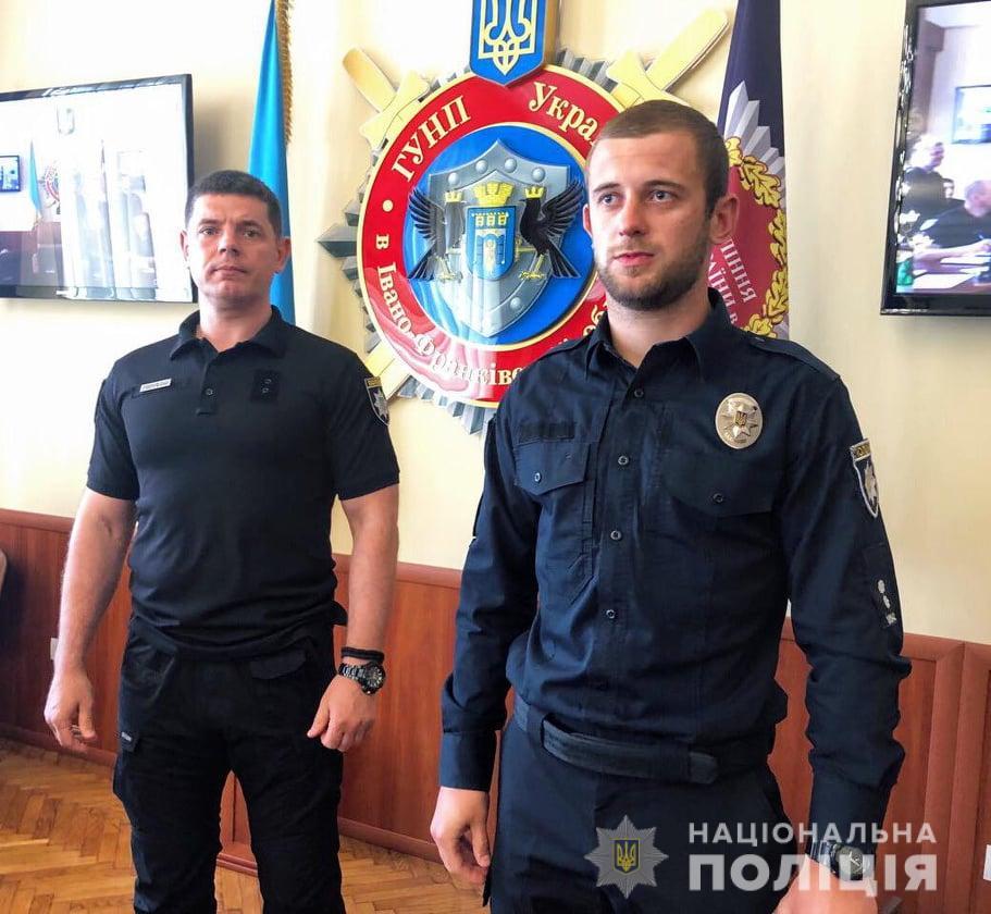 У Франківську нагородили поліціянтів, які оперативно затримали грабіжника (ФОТО)