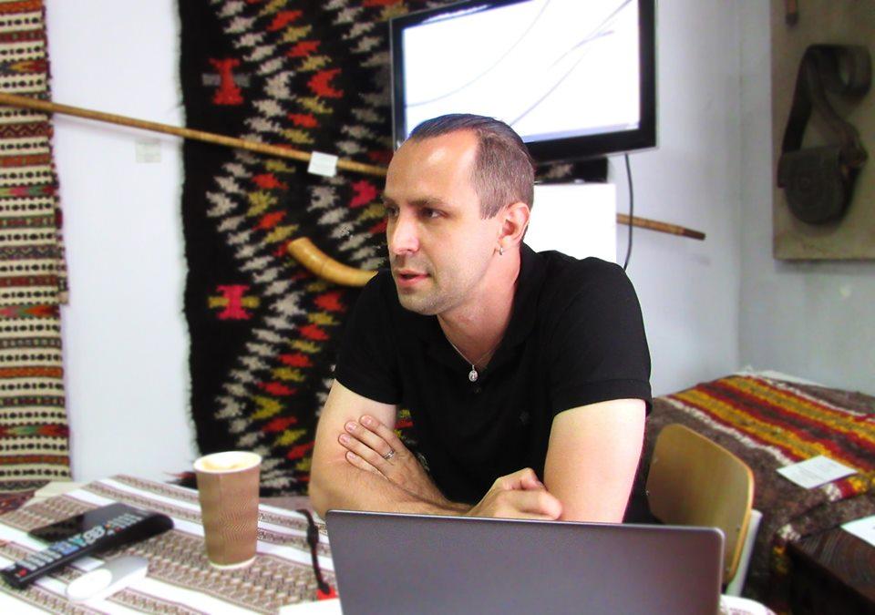 Сценарист«Сторожової застави»Ярослав Войцешек провів лекцію в Косові (ФОТО)