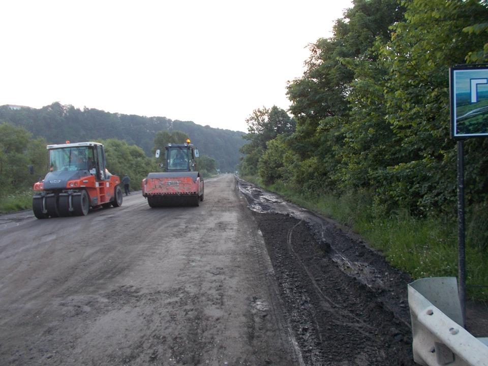 На Прикарпатті продовжують ремонтувати дорогу державного значення Стрий-Мамалига (ФОТО)