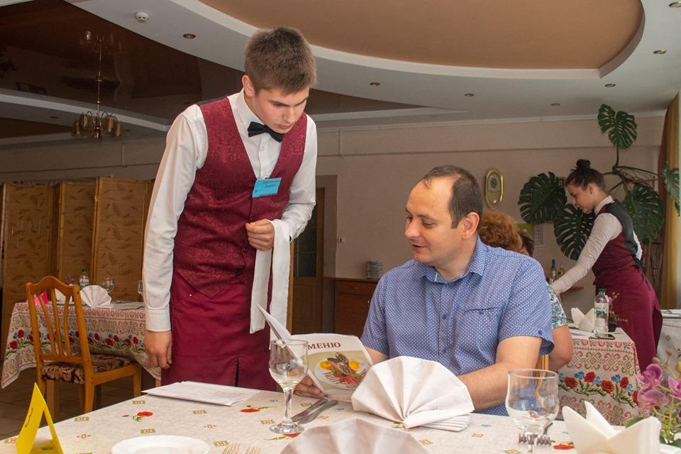 Очільник Франківська приймав іспит в майбутніх кухарів (фоторепортаж)