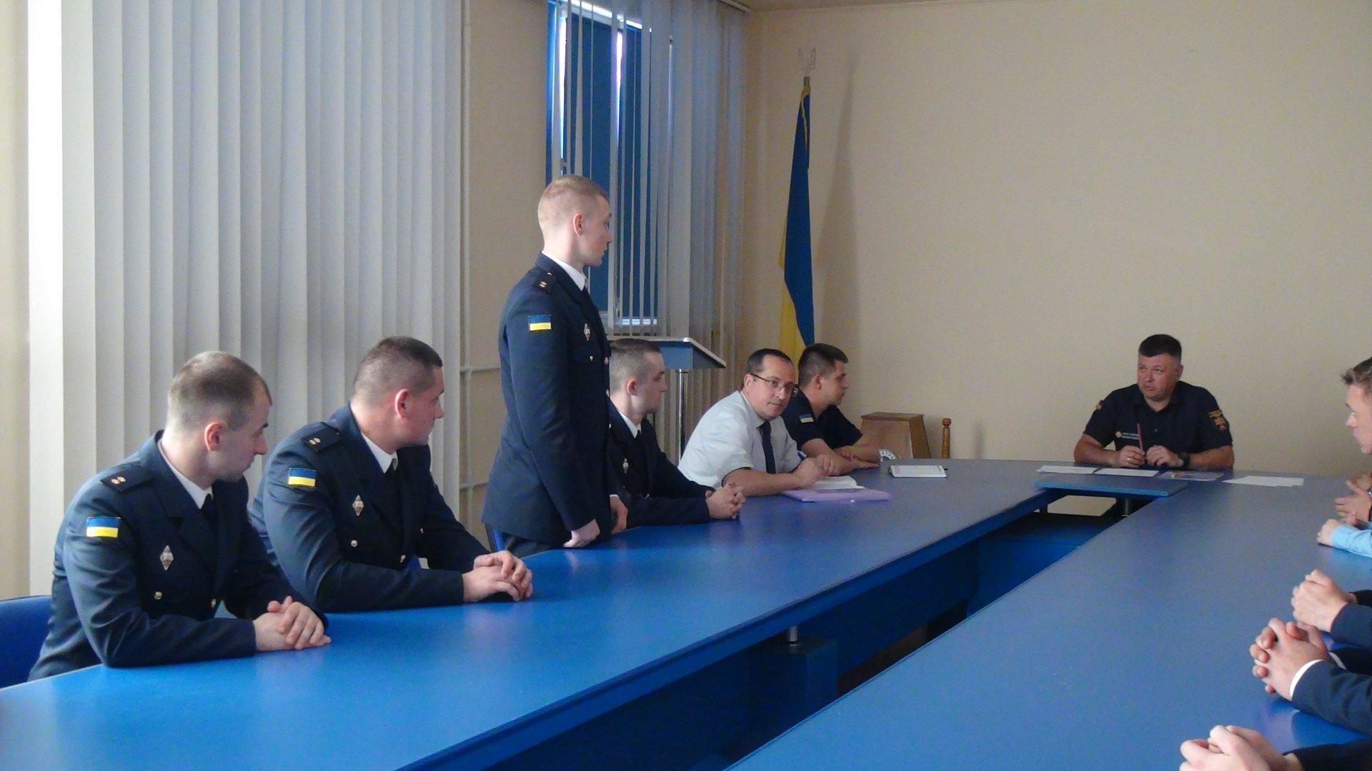 Лави прикарпатських рятувальників поповнились п'ятнадцятьма лейтенантами (ФОТО)