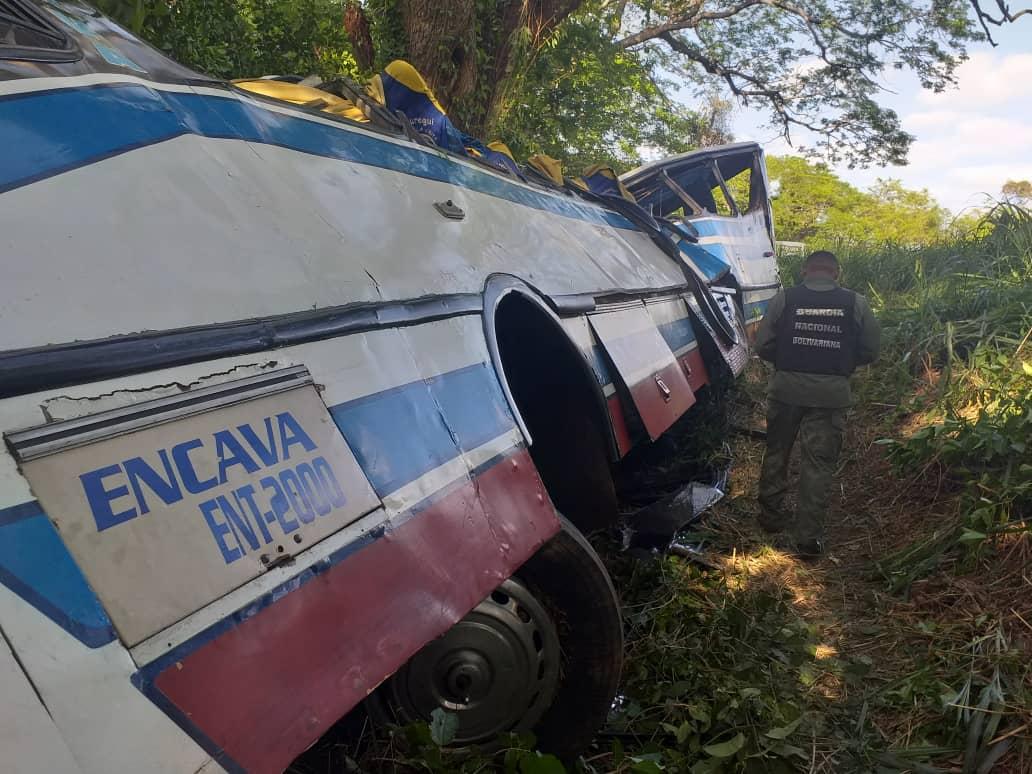 У Венесуелі розбився автобус: загинули 16 людей (ФОТО)