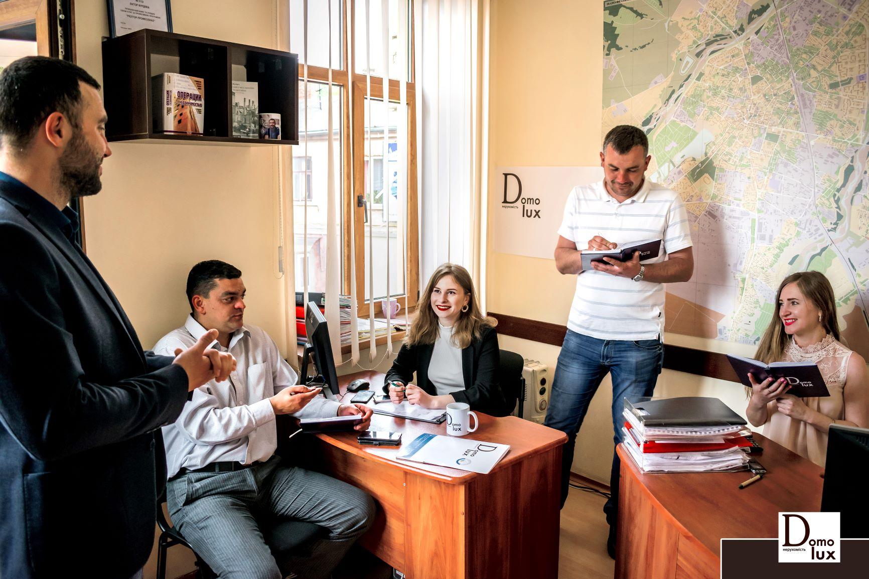 Переваги ріелторів-партнерів у Франківську. Розповідає Віктор Фурдіяка