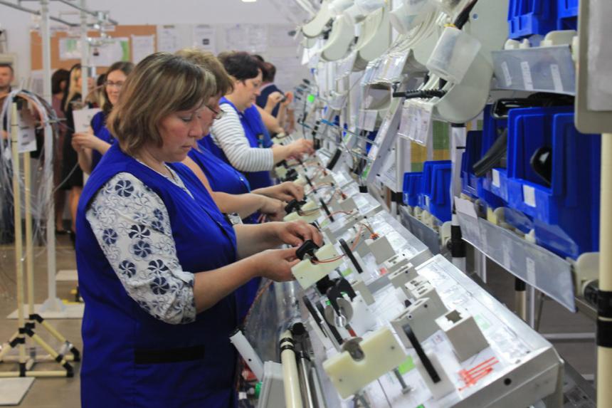 ВО «Карпати» запускає нову лінію виробництва. Шукають дві сотні працівників (ФОТО)