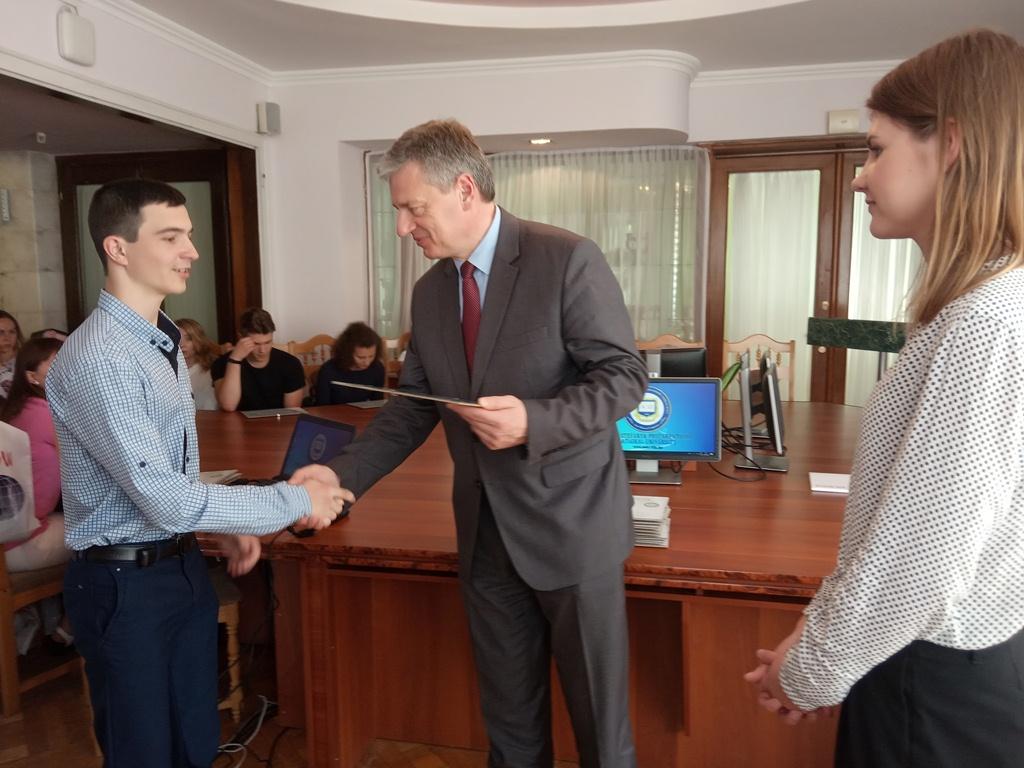 Найкращі франківські студенти отримали гроші від європейського фонду (ФОТО)