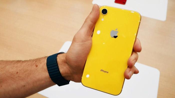 Продажі Apple продовжують падати, незважаючи на популярність iPhone XR в США