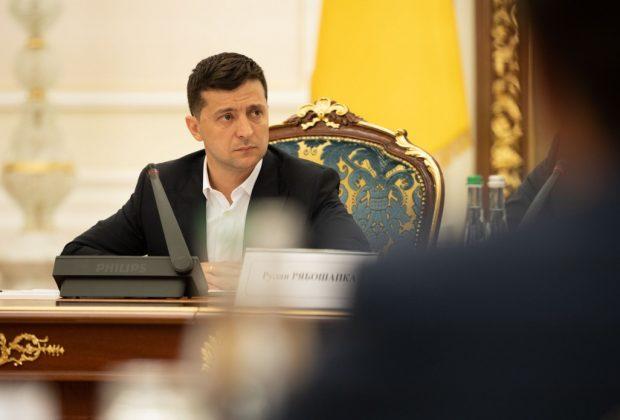 Зеленський хоче поговорити з Вакарчуком про прем'єрство