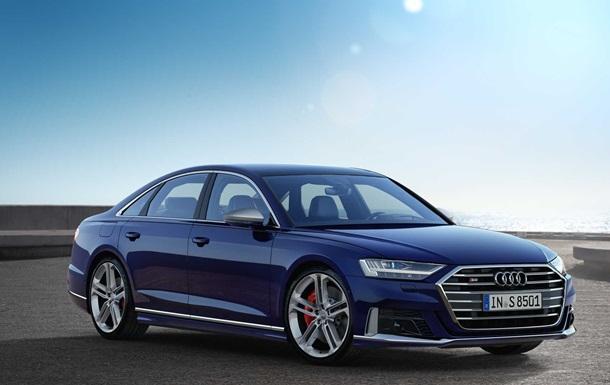 Компанія Audi показала новий седан S8 (ФОТО)