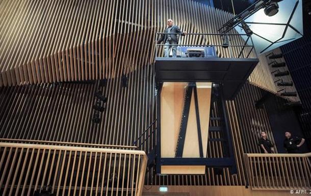 У Латвії презентували найбільший у світі рояль