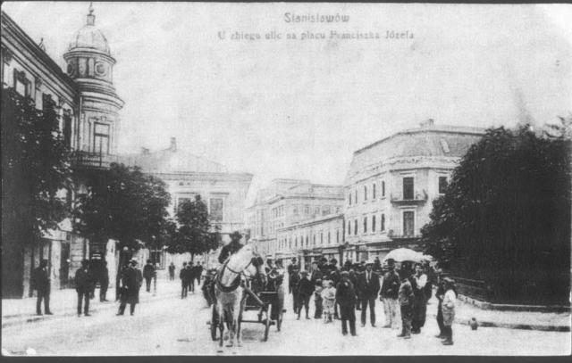 Франківців запрошують на показ фільму про 100 років історії рідного міста