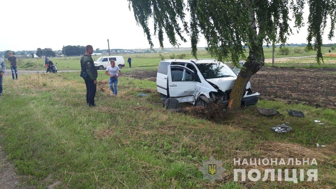 З'явилися світлини і подробиці ДТП на Городенківщині, в якій травмувалися двоє дітей (ФОТО)