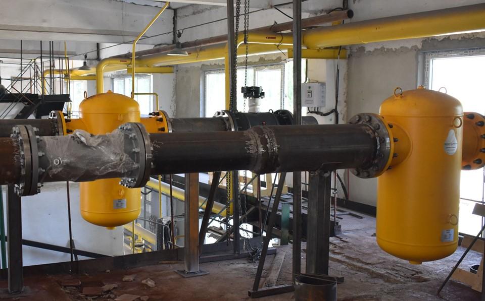 Новий котел, система очистки води і насоси: котельню теплокомуненерго роблять сучаснішою (ФОТО)