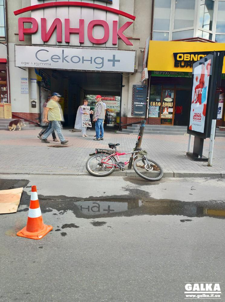На Новгородській п'яний велосипедист заїхав у автовишку: чоловік – у лікарні (ФОТО)