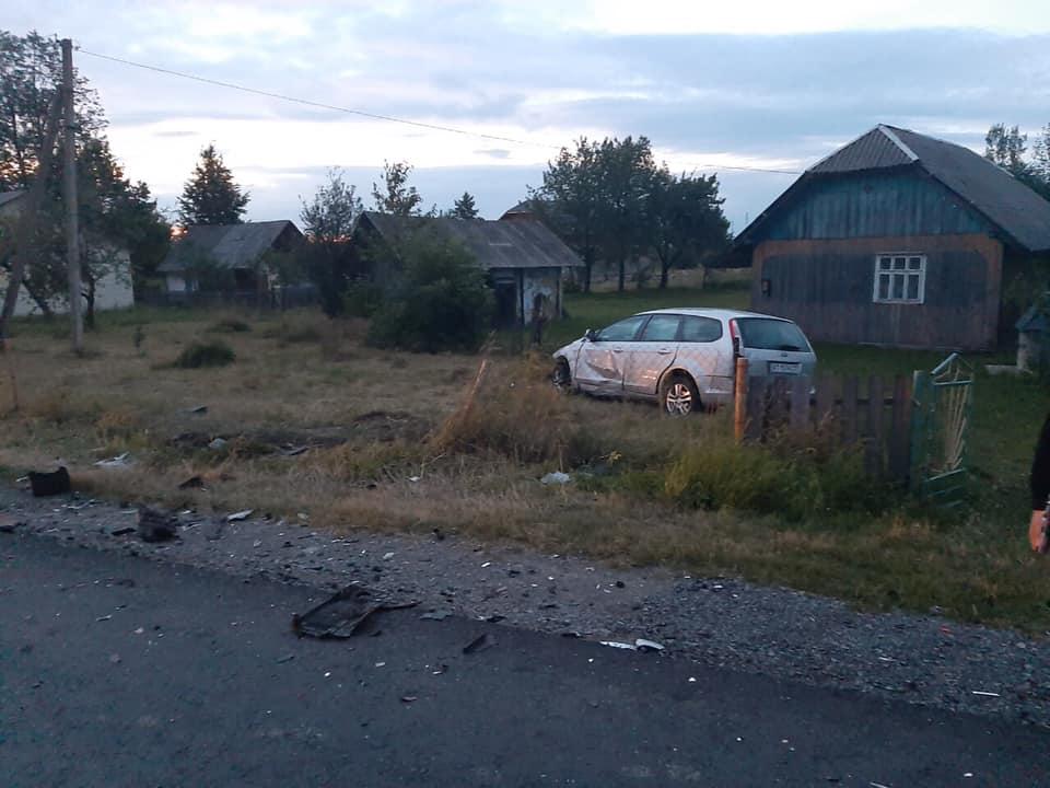 На Долинщині у ДТП загинули двоє дітей (ФОТО, ВІДЕО)