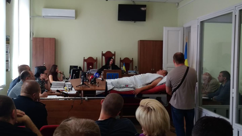 2,95 проміле алкоголю: Франківський суд взяв під варту депутата, через якого загинуло двоє малих дітей (фоторепортаж)