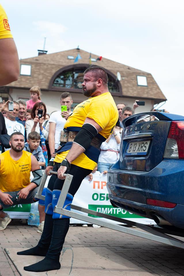 У Косові українські богатирі перемогли збірну Румунії та зафіксували новий світовий рекорд (ФОТО)