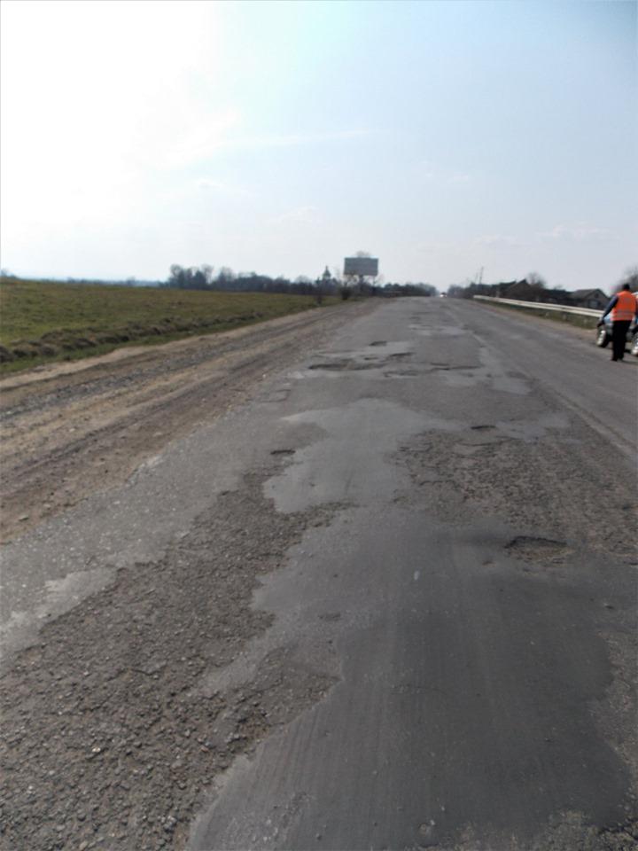 Дорожники показали, як виглядав автошлях Стрий-Мамалига до ремонту (ФОТО)