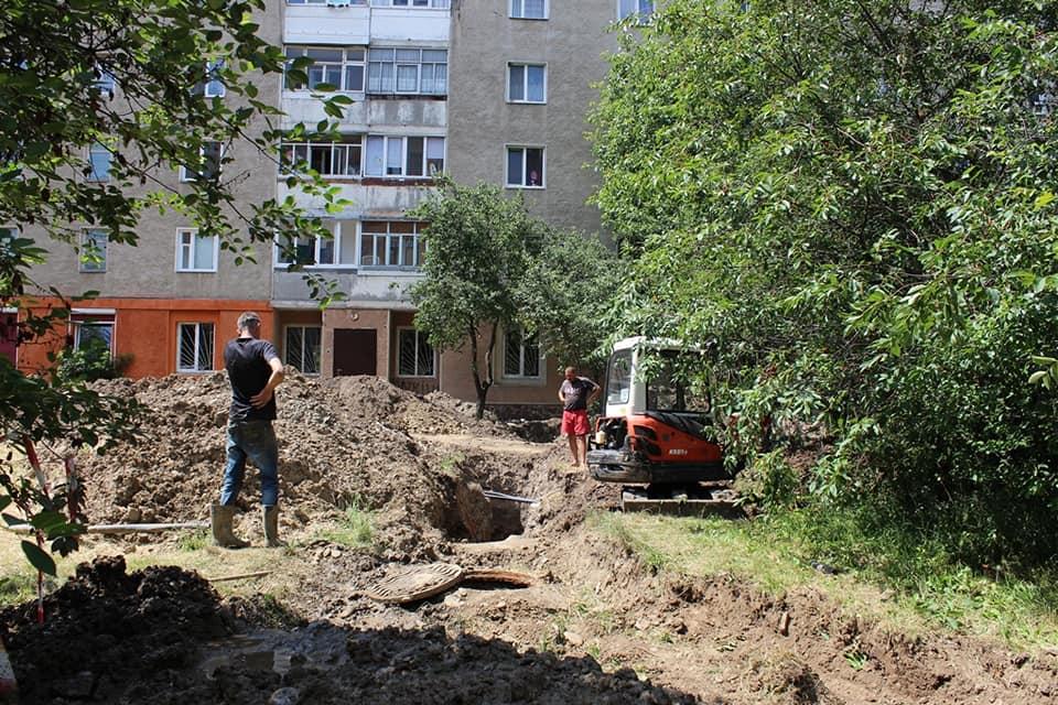 На Симоненка взялися капітально ремонтувати прибудинкові території (ФОТО)