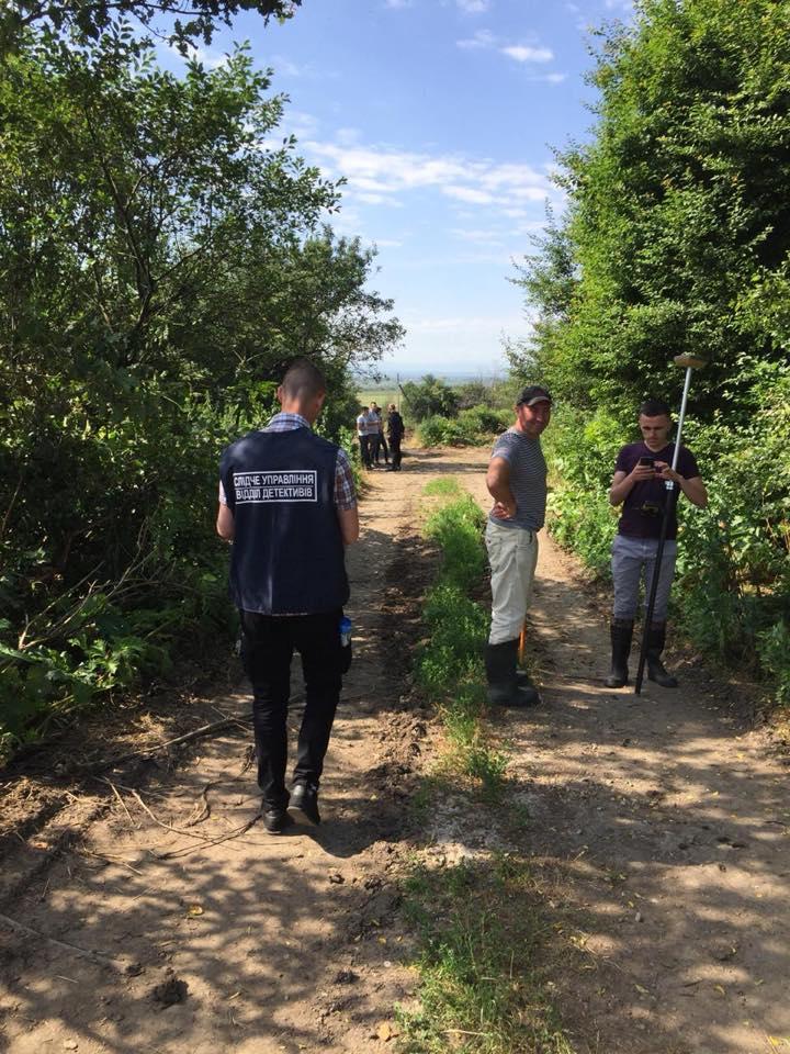 Під Франківськом забруднили 10 гектарів землі відходами з птахофабрики (ФОТО)