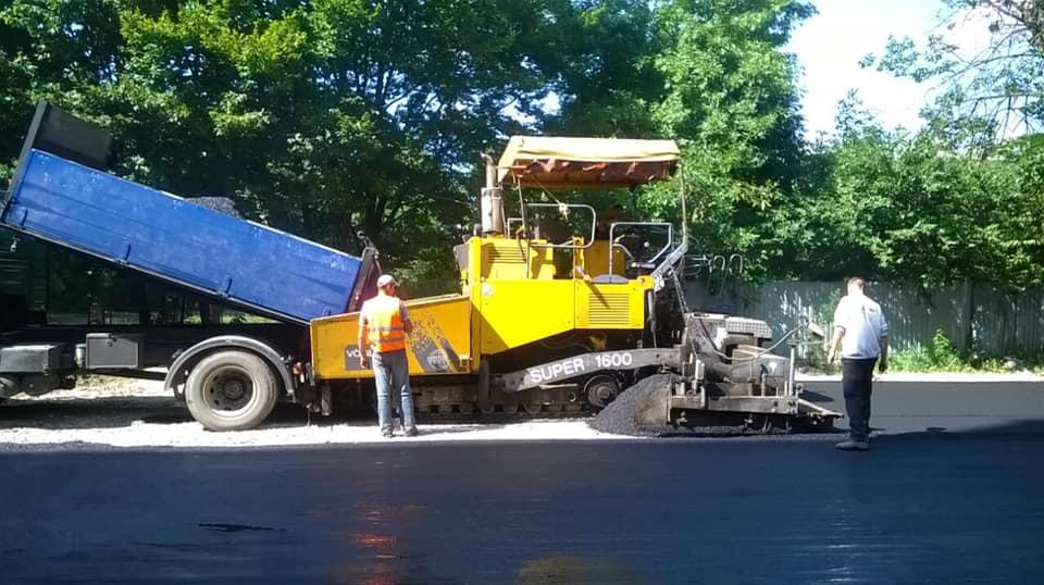 На вулиці Сорохтея капітально ремонтують майданчик для відходів (ФОТО)