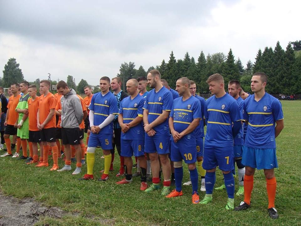 На Прикарпатті загиблих на сході бійців вшанували футбольним турніром (ФОТО)