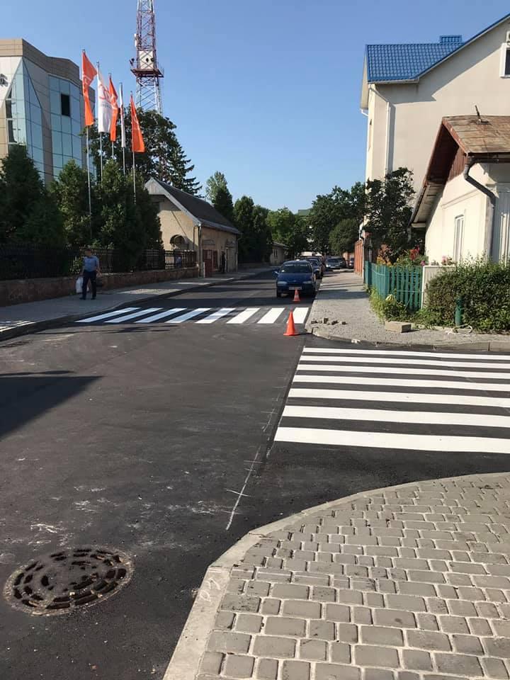 На вулиці Індустріальній нарешті завершили ремонт дороги (ФОТО)