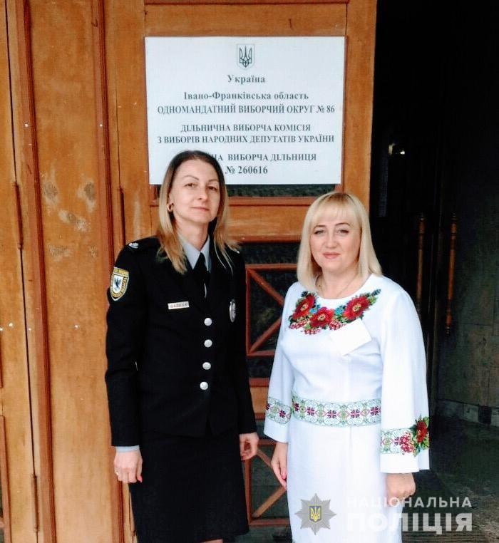 В Івано-Франківську дільниці відкрилися вчасно