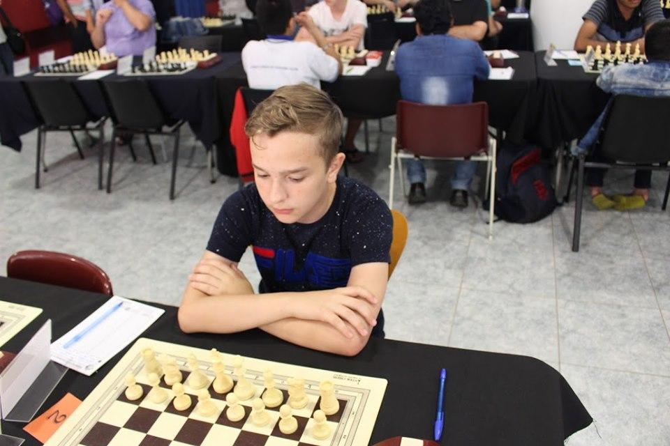 """Юний прикарпатський шахіст здобув """"бронзу"""" на турнірі в Іспанії (фотофакт)"""