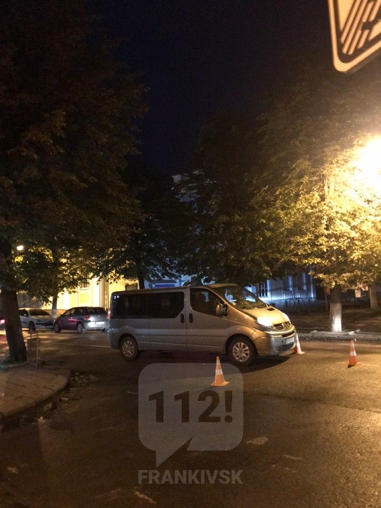 У Франківську мікроавтобус збив пішохода, фото-1