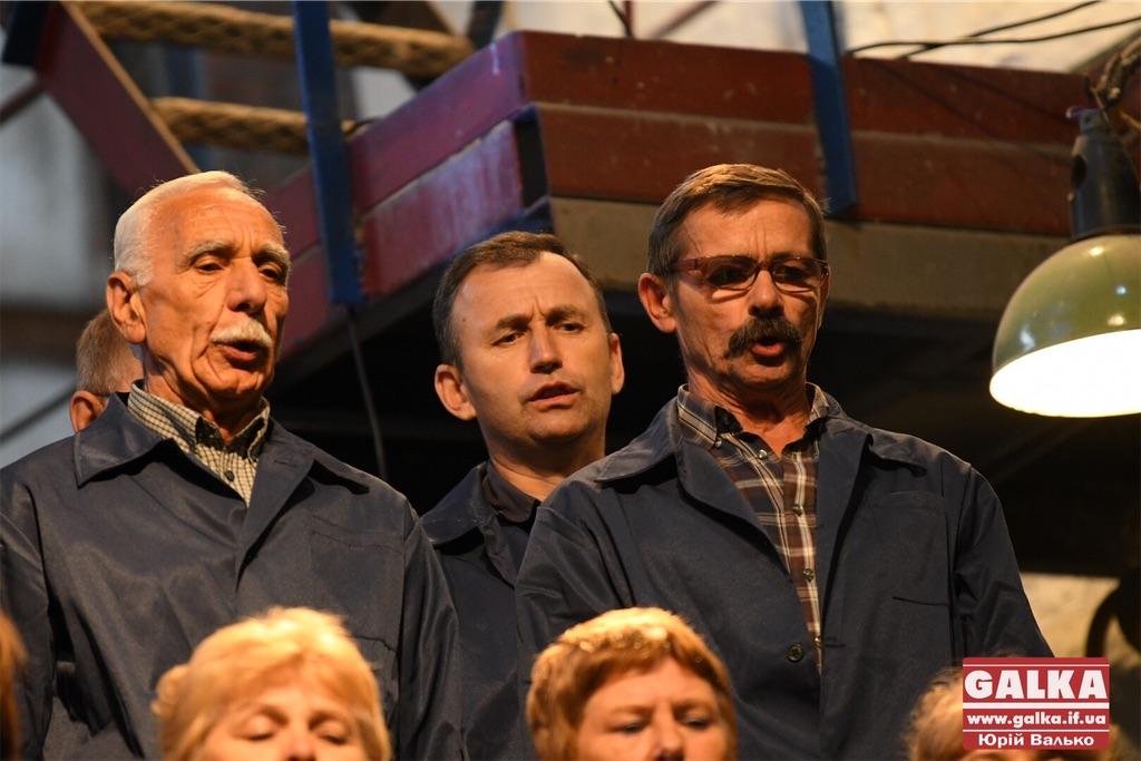 """Знаменитий хор """"Теплокомуненерго"""" припинив своє існування. Творці відомого фільму готові допомогти комунальникам"""