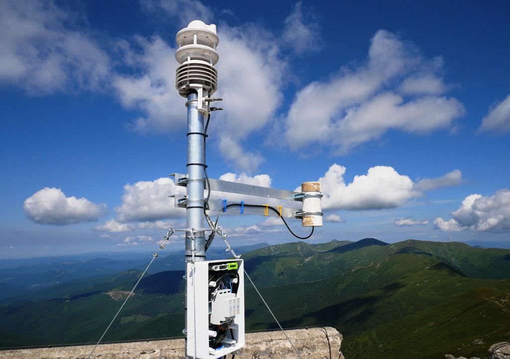 """На Піп Івані встановили """"розумний"""" сенсор, який аналізуватиме клімат (ФОТО, ВІДЕО)"""