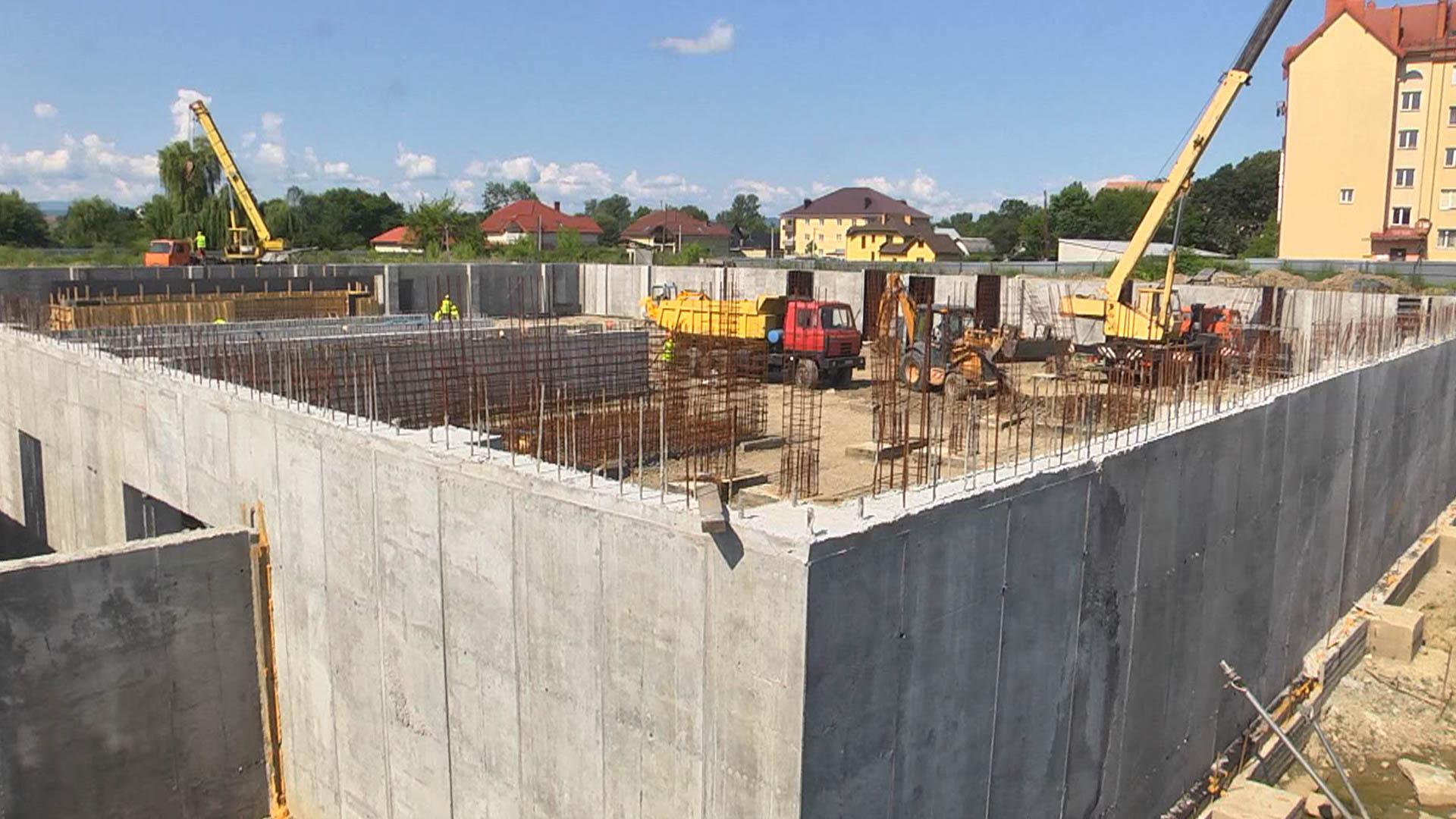 У Коломиї триває будівництво унікального спорткомплексу (ВІДЕО)