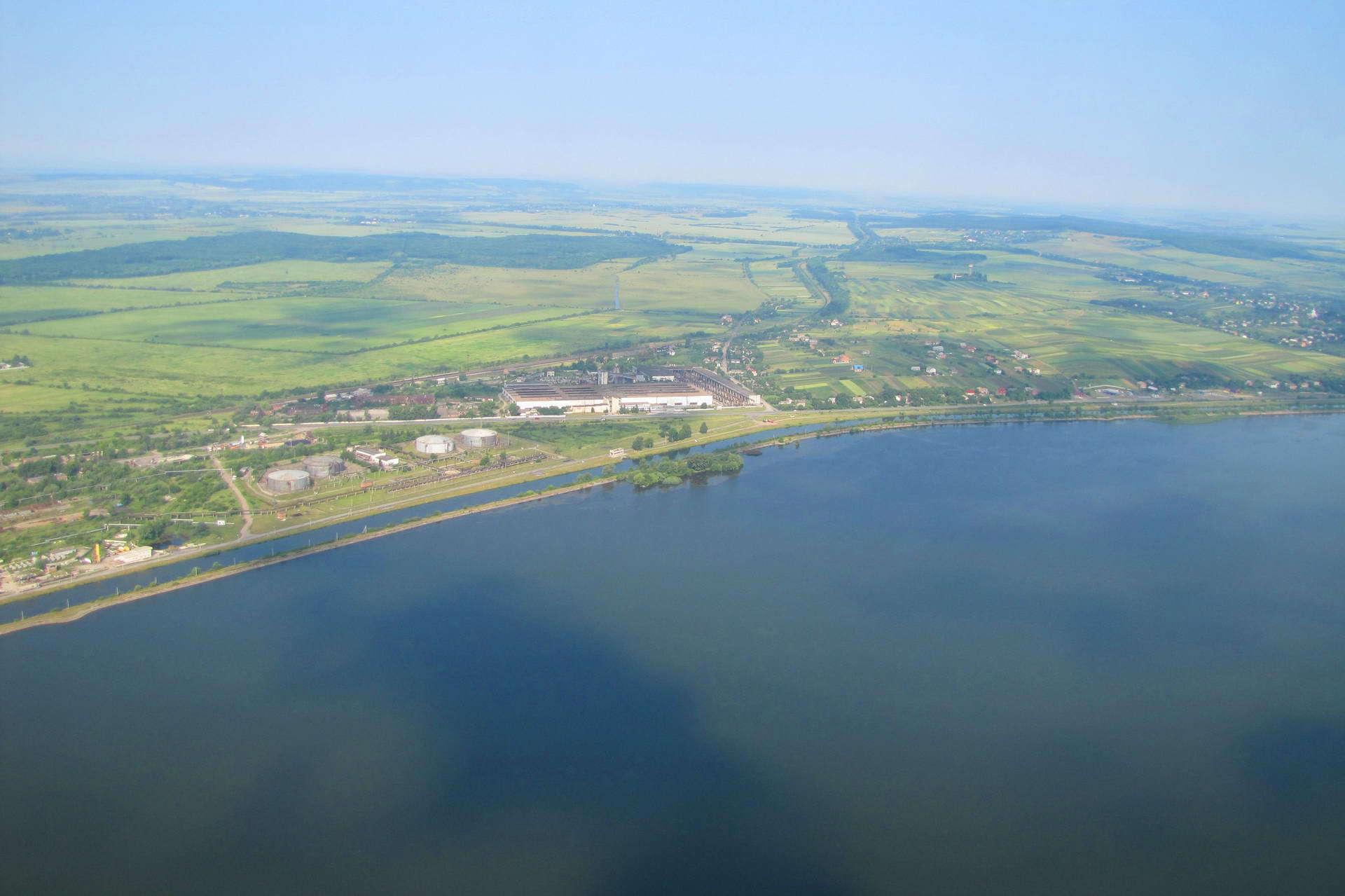 На березі Бурштинського водосховища за 400 тисяч гривень облаштують відпочинкову зону