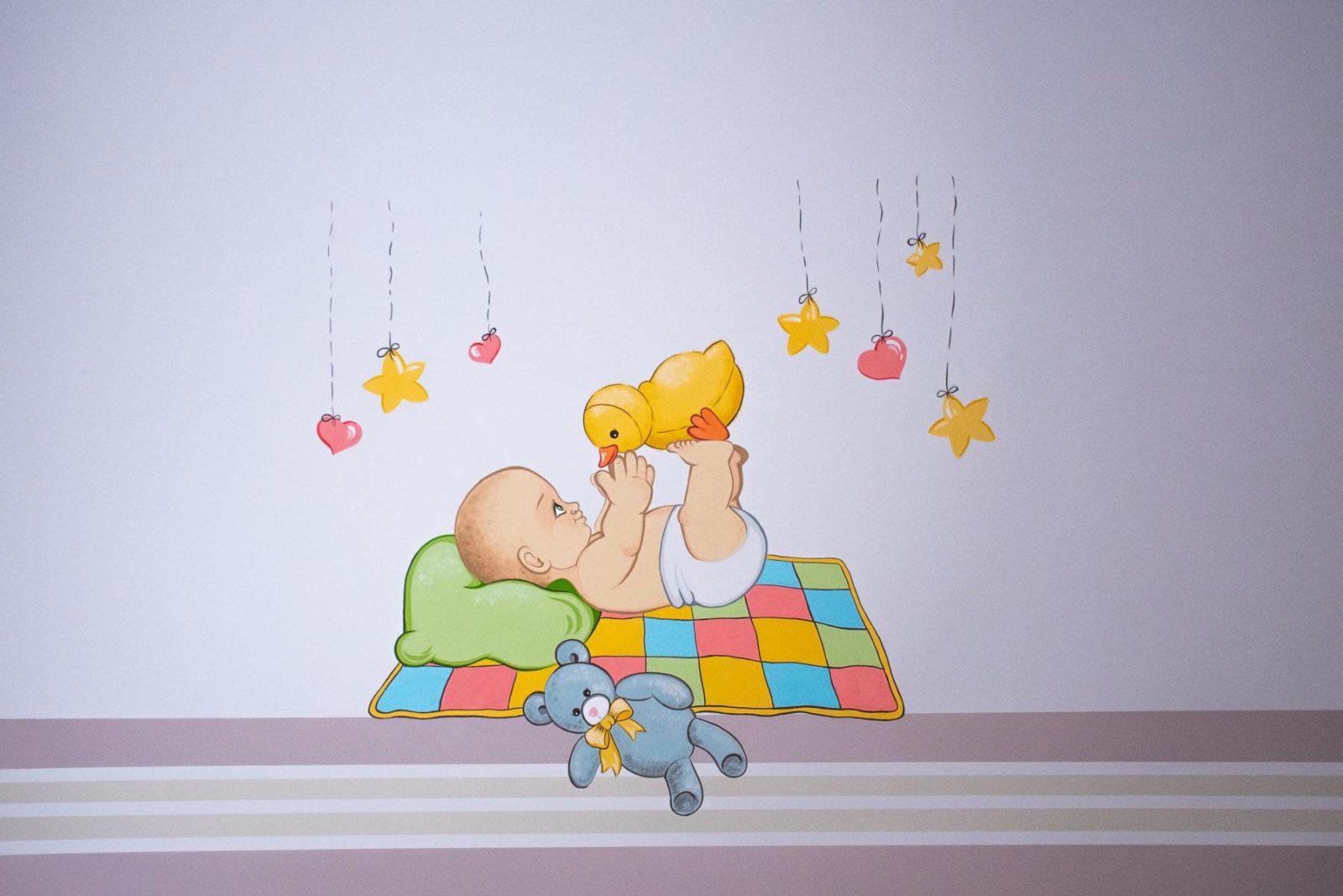 """""""Милі тваринки на стінах"""": як у Франківську ремонтують дитячу клінічну лікарню (фоторепортаж)"""