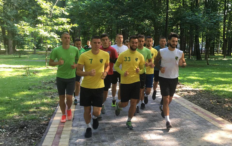 Футболісти «Прикарпаття» вирушили на другий тренувальний збір до Яремче (ФОТО)